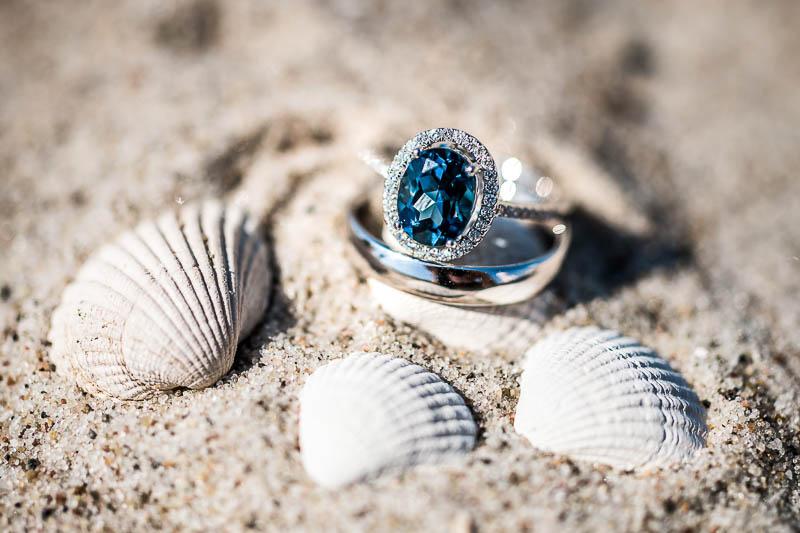 Eine entspannte Hochzeit am Strand